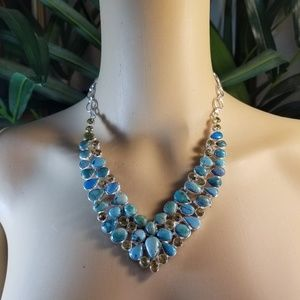 STUNNING NECKLACE NWOT